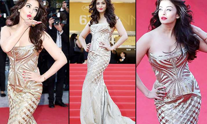 cannes 2014 aishwarya rai bachchan enchants in a gold