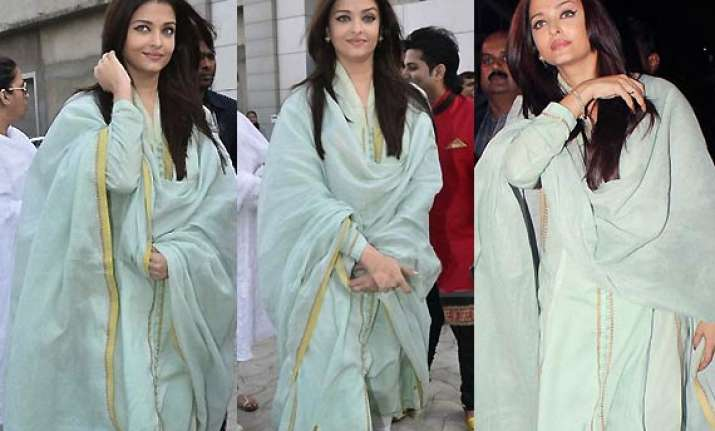 aishwarya keeps it simple with mint green anarkali at