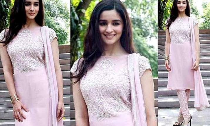 alia bhatt looks demure desi in pink salwar kameez see pics