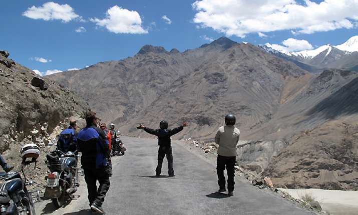 100 bikers take on the mighty himalayas