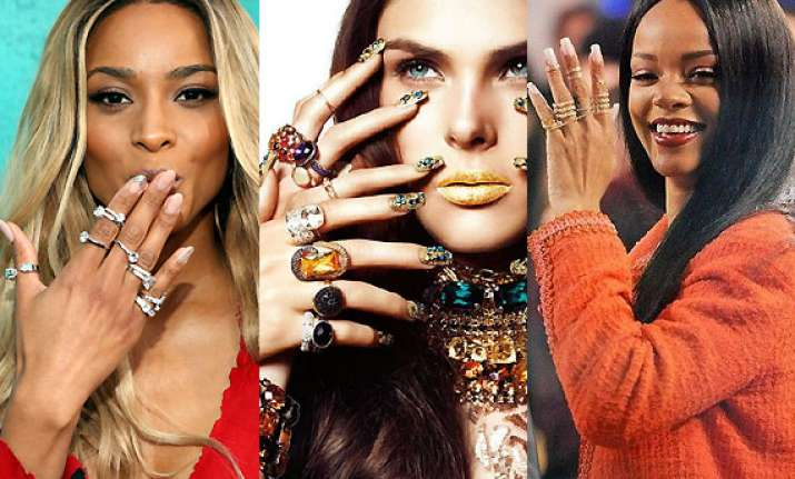 celebs smitten by sparkling midi rings