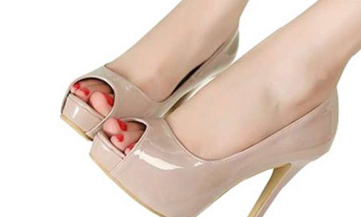 nude heels a must have for every women see pics