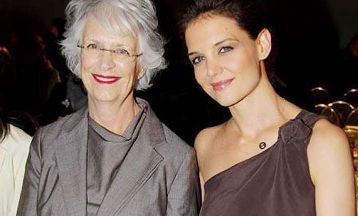katie holmes prefers beauty advice from mother
