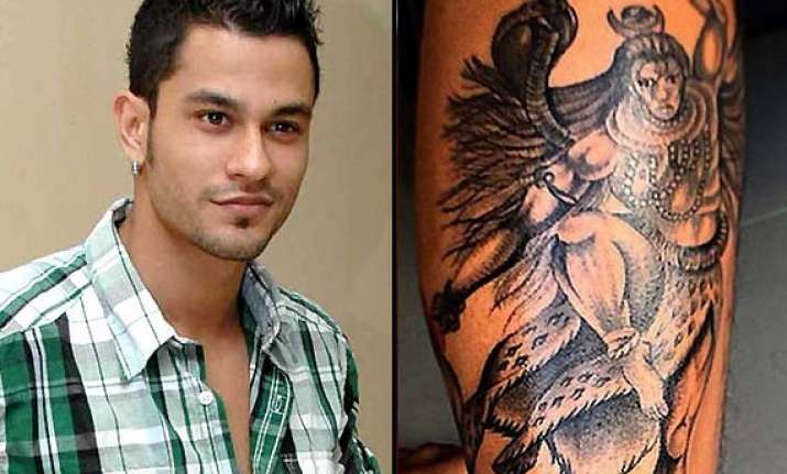 kunal khemu s controversial shiva tattoo gets him flak from