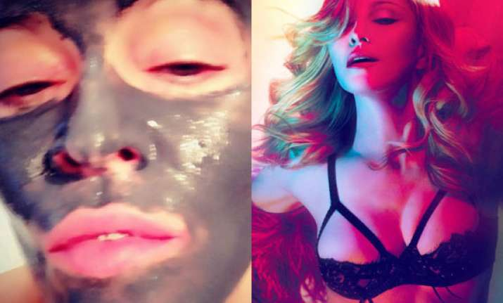 madonna s youthful looks thanks to clay face mask see pics