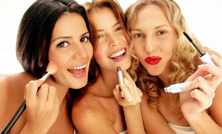 beware before trying and testing beauty products at stores