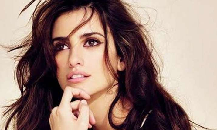 must try scuba diving with sharks penelope cruz