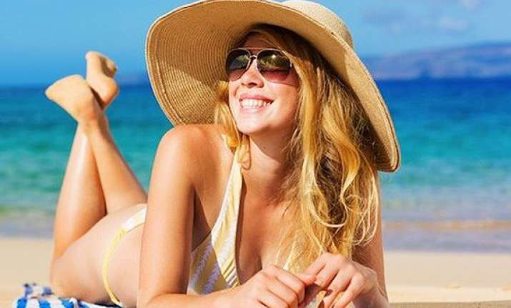 tips to protect hair against summer heat sweat see pics