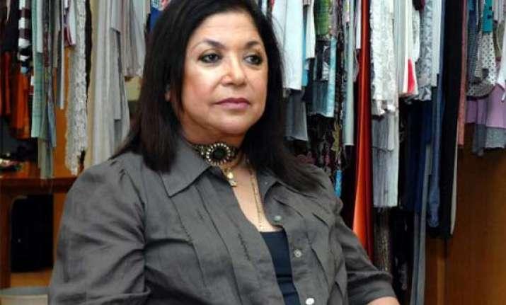 ritu kumar campaigns for craftsmen