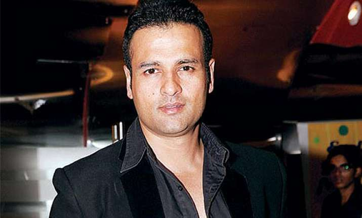 rohit roy urges parents to keep children away from mobile