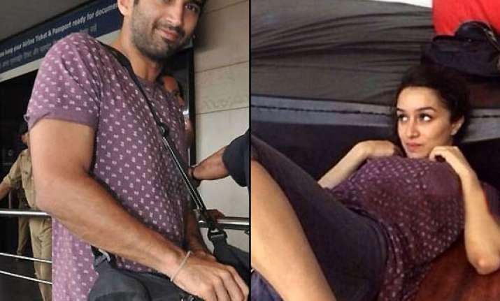 cute shraddha kapoor aditya roy kapur seen wearing couple t