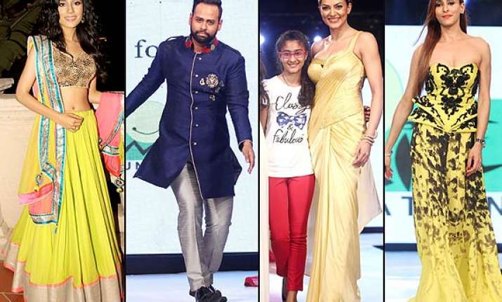smile foundation fashion show sushmita amrita vj andy
