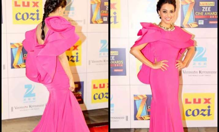 zee cine awards 2014 swara bhaskar s fashion blunder see