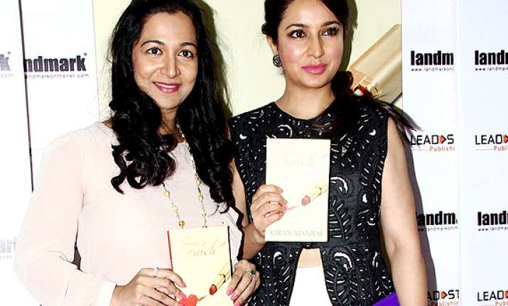 tisca chopra loooks graceful unveils manral s romantic