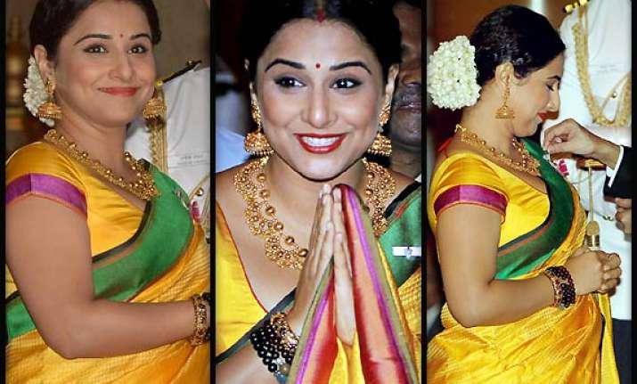 vidya balan in traditional avatar at padma shri awards see