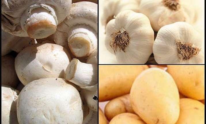 cauliflower mushroom garlic potatoes four must eat white