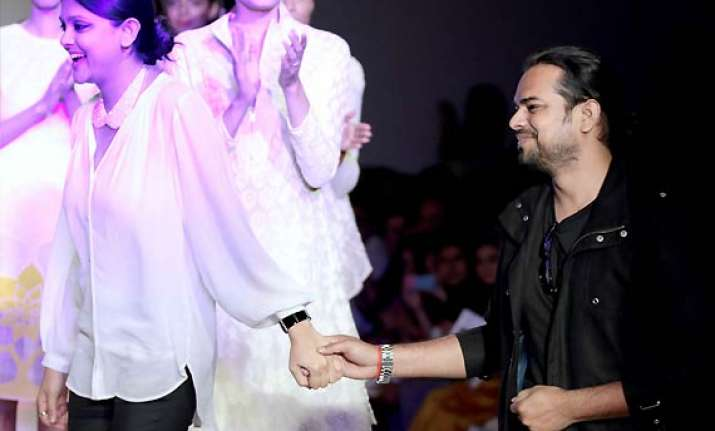 wifw aw 2014 rahul mishra presents award winning range see