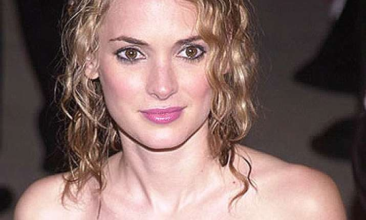 winona ryder finds cosmetic surgery weird