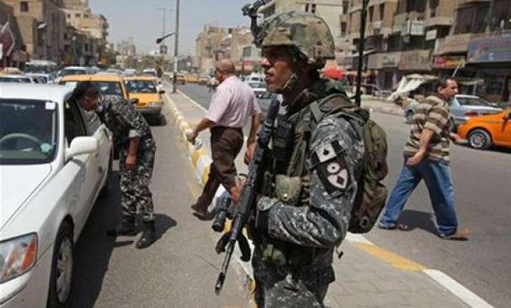 al qaida fighters kill 26 policemen in west iraq