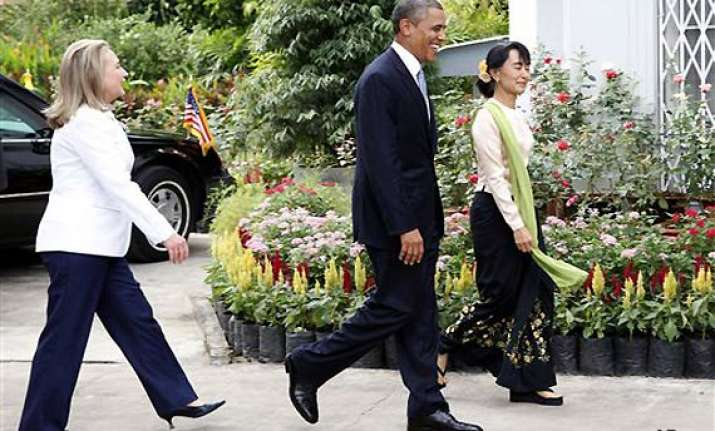 america is with you obama tells myanmar students