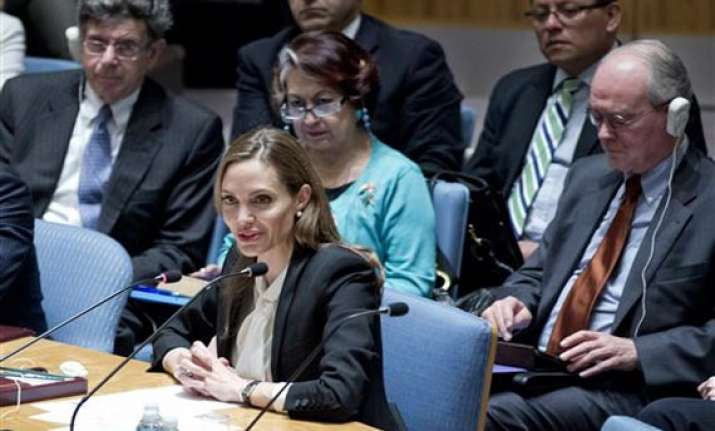 angelina jolie urges world to end rapes during war