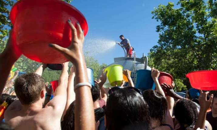 annual water fight festival celebrated in spain