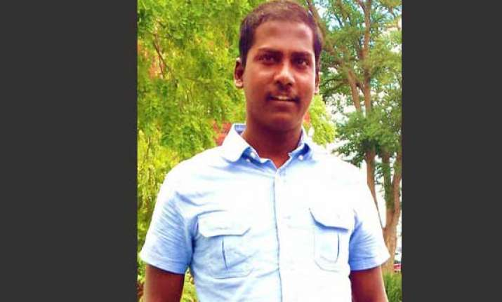 another tamil asylum seeker sets himself alight in australia