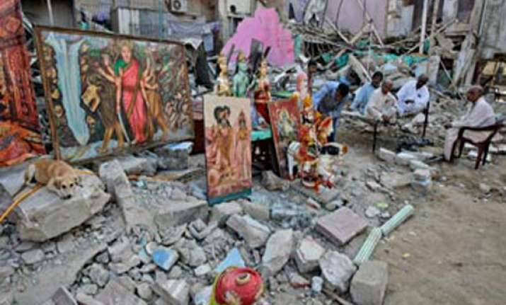 apologise to hindus for demolishing karachi temple dawn