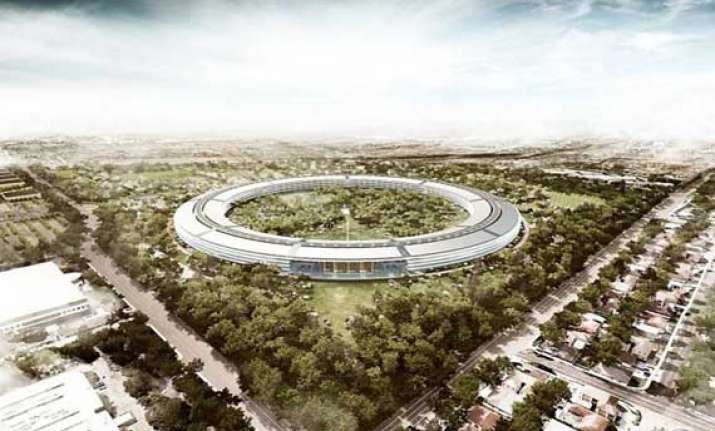 apple to unveil its four storeyed spaceship hq soon