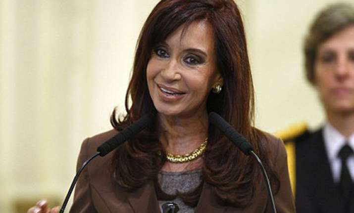 argentina president kirchner diagnosed with thyroid cancer