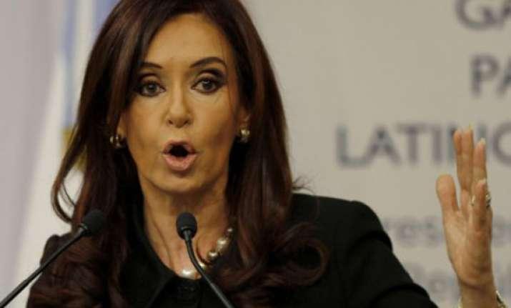 argentine president kirchner undergoes thyroid cancer