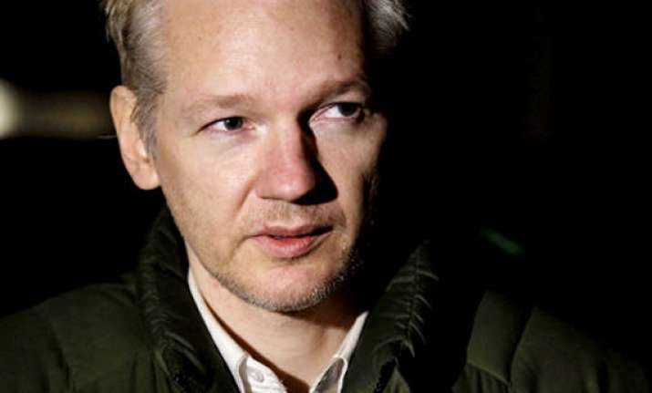 assange can continue extradition fight in uk court