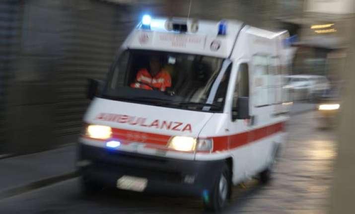 italy tour bus plunge into ravine 37 dead
