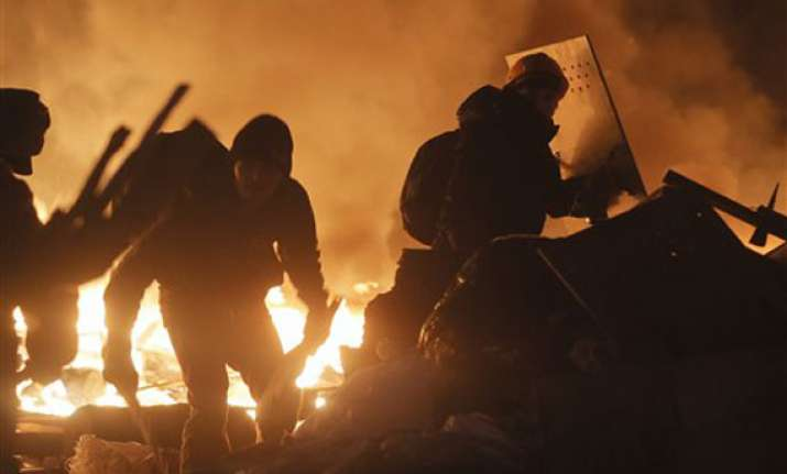 at least 18 die in ukraine clashes