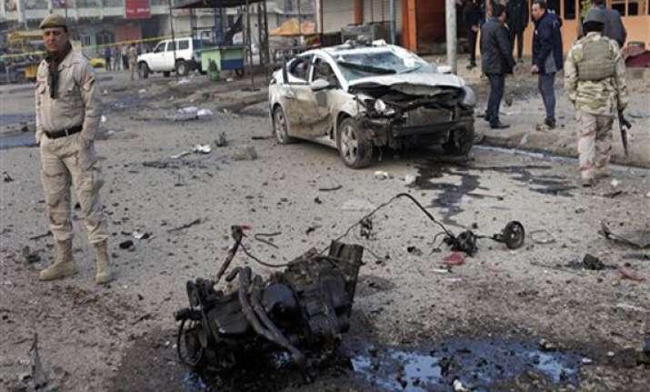 attacks by suspected insurgents kill 17 in iraq
