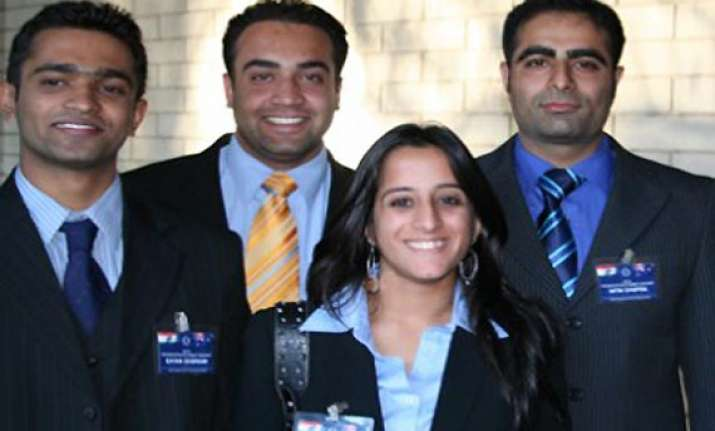 australia eases visa laws for indian chinese students