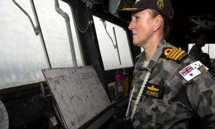 australia vows to search until missing airliner found
