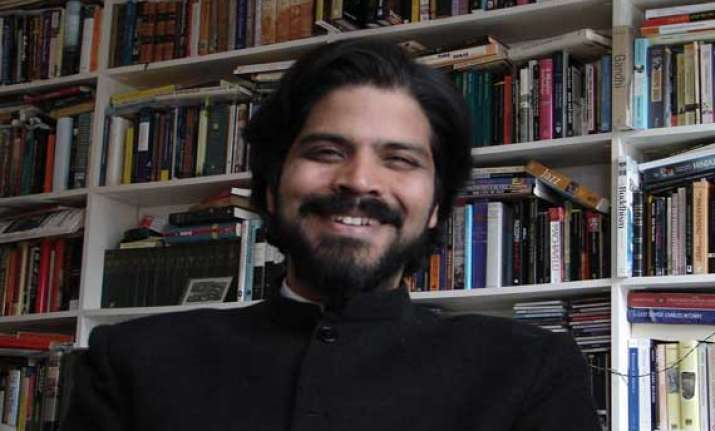 author pankaj mishra wins usd 150000 yale literary prize