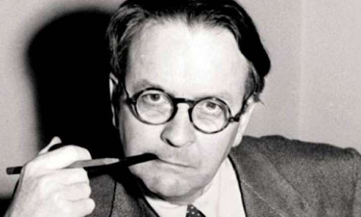 author raymond chandler wife reunited after death