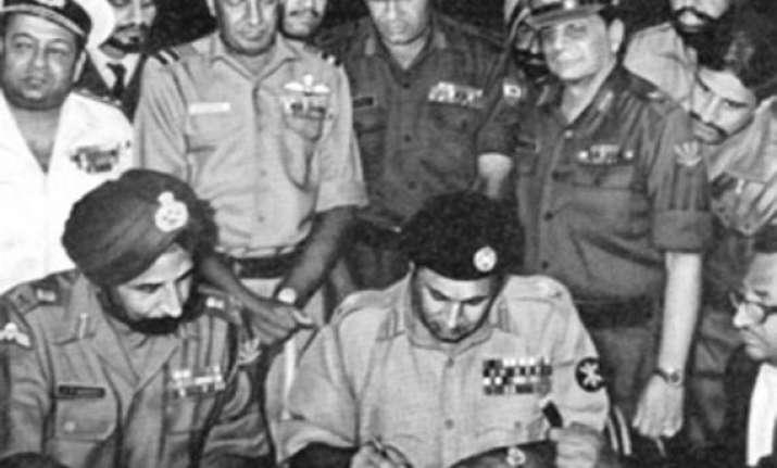 bangladesh posthumously honours lt gen j s aurora jyoti