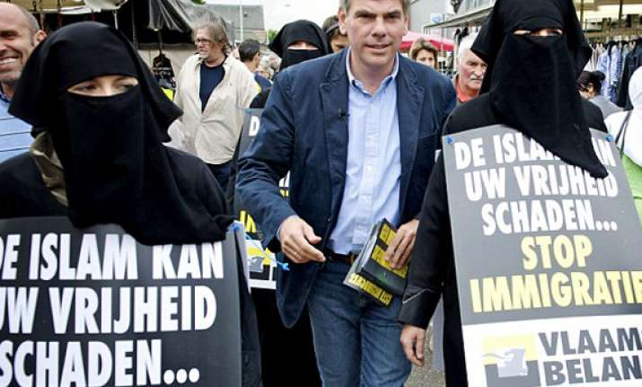 belgian politician campaigns against islam using his