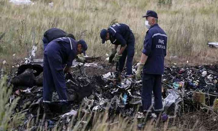 black boxes of downed mh17 arrive in uk for examination