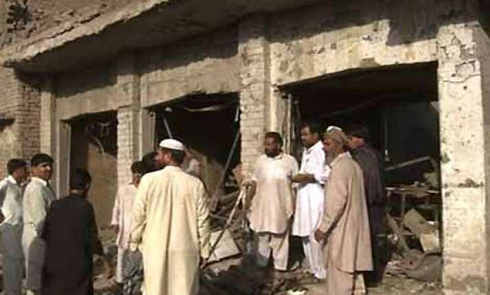 blast targets air force van in pak 10 killed