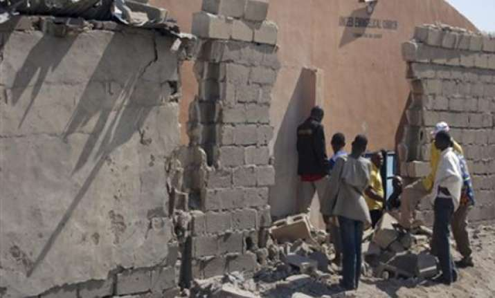 25 killed in northern nigeria church bombings