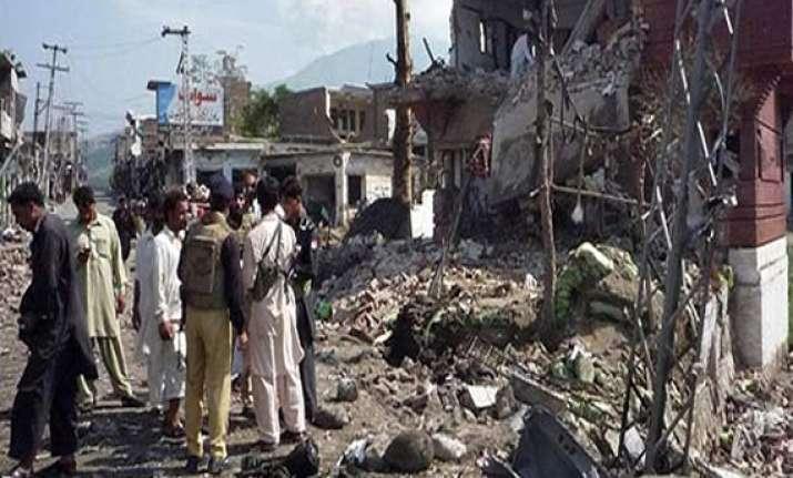 35 killed in pakistan market blast