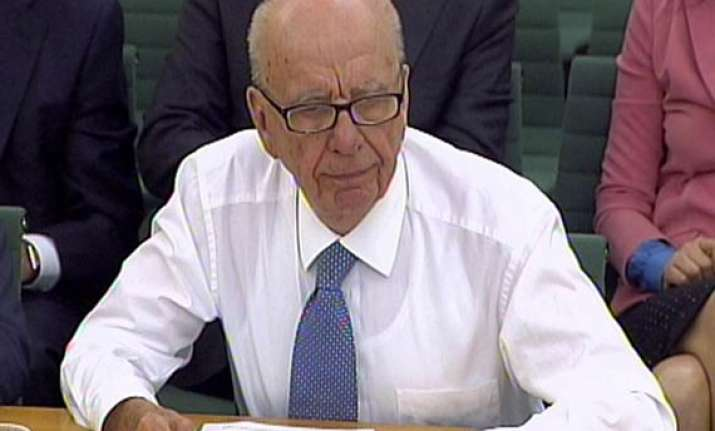 british lawmakers blast murdoch for thwarting probe