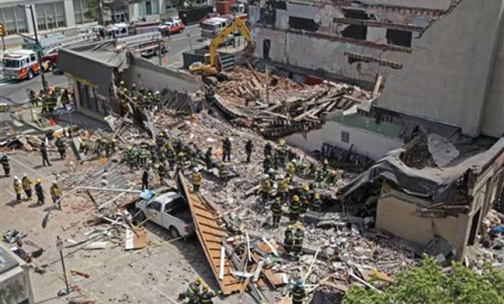 building collapses in philadelphia