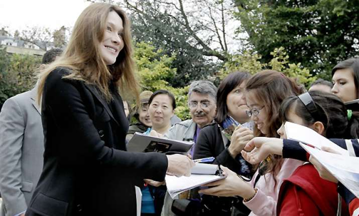 carla bruni makes first post baby appearance