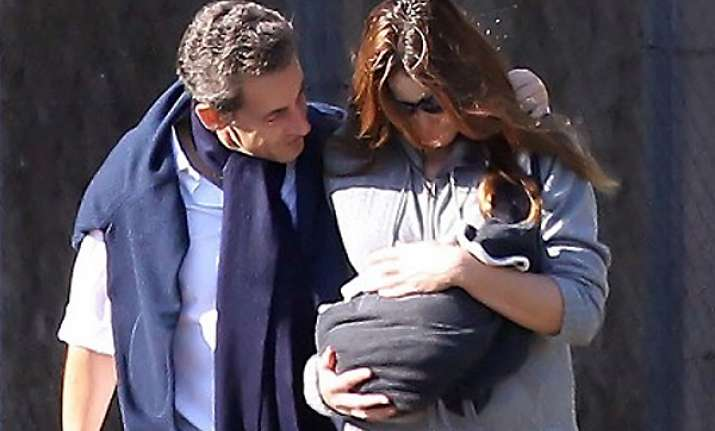 carla bruni sarkozy take a stroll with baby guilia