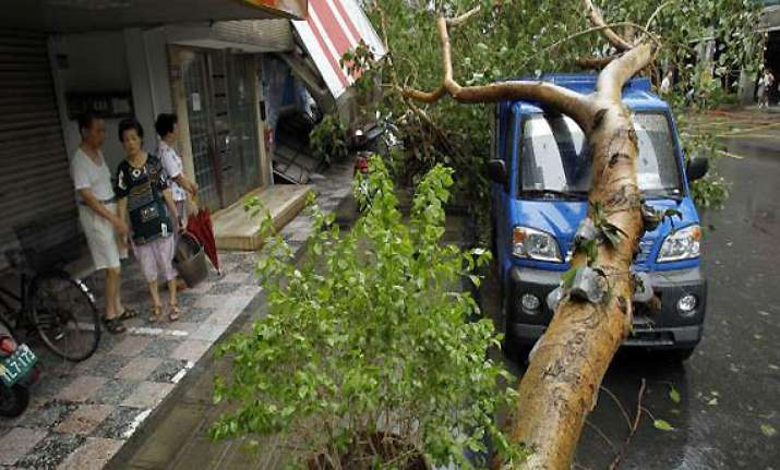 china evacuates 417 000 people ahead of typhoon